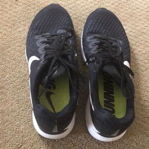Nike women's size 10 shoes